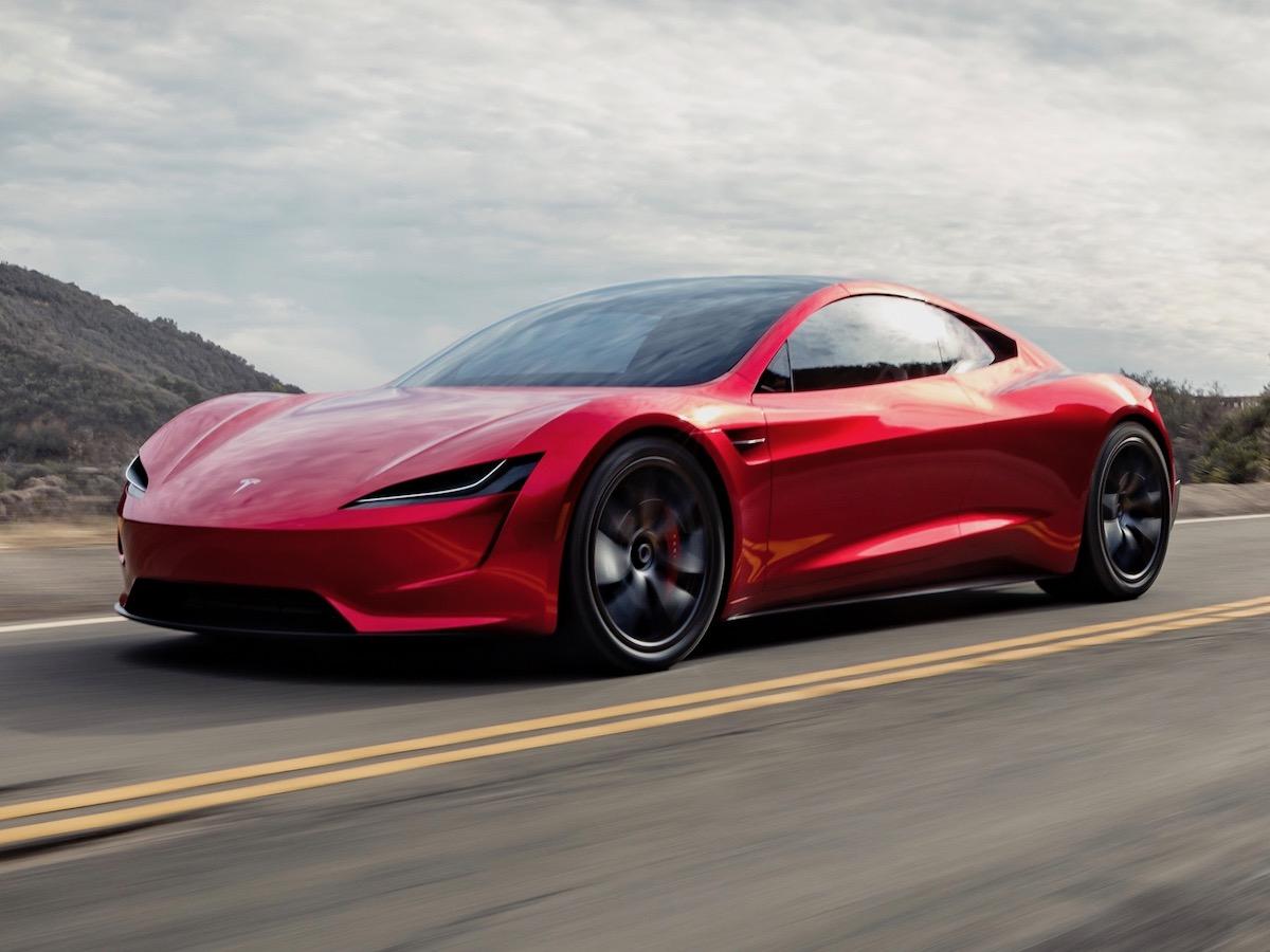 Tesla больше не будет дарить машины клиентам