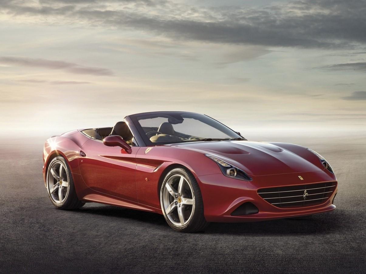 Ferrari назвали самым сильным брендом мира. Навтором месте – Сбербанк